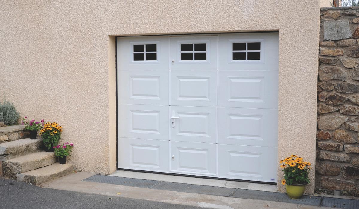 Porte de garage sectionnelle (à ouverture latérale)